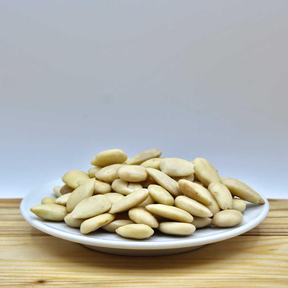 Mandorle pelate per pasticceria 1 kg - Puglia - Mezzaria